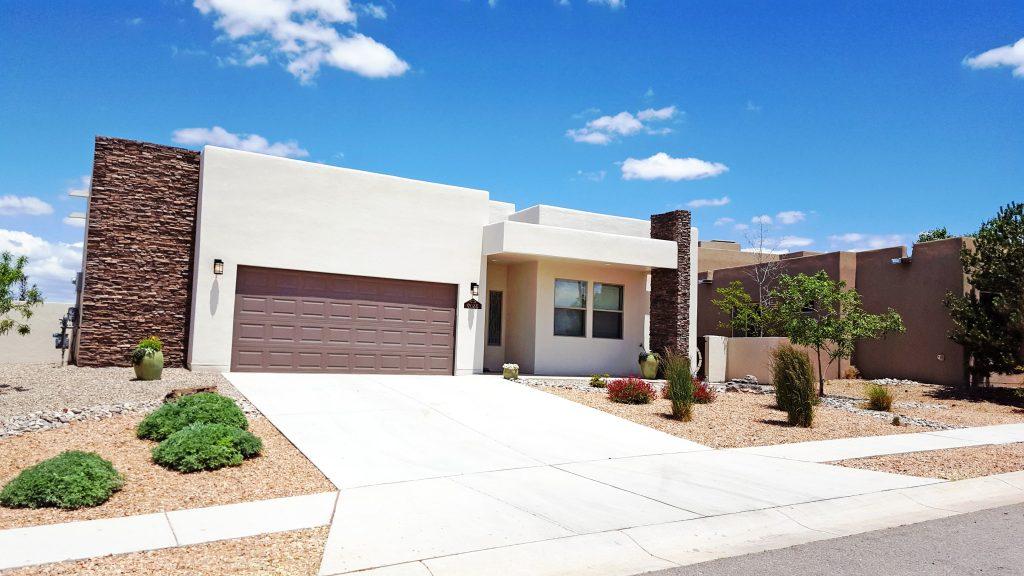 Home in Mariposa Rio Rancho